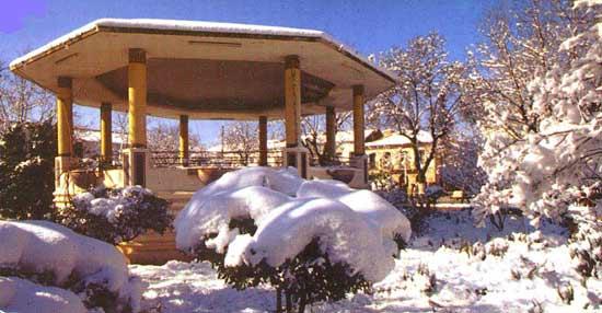 MEDEA-Kiosque-sous-la-neige