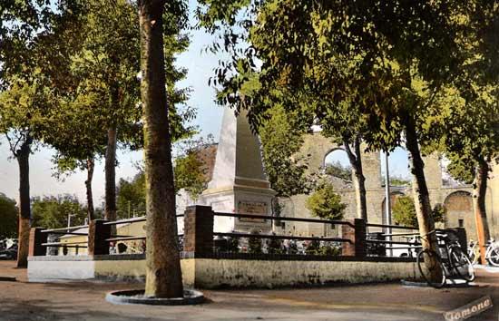 MEDEA-Monument-portes-de-Lo